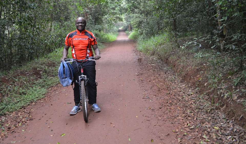 Cycling after Kenenisa Bekele and Philip Osano